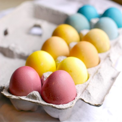 naturally-dyed-easter-eggs